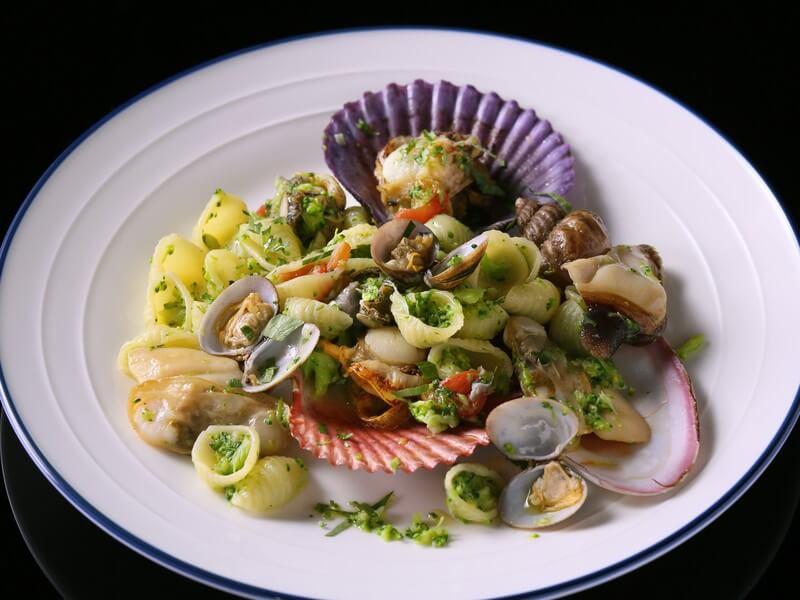 コンキリエ 色々な貝たちとブロッコリー