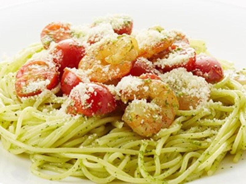 エビとチェリートマトのジェノベーゼパスタ、スパゲティ